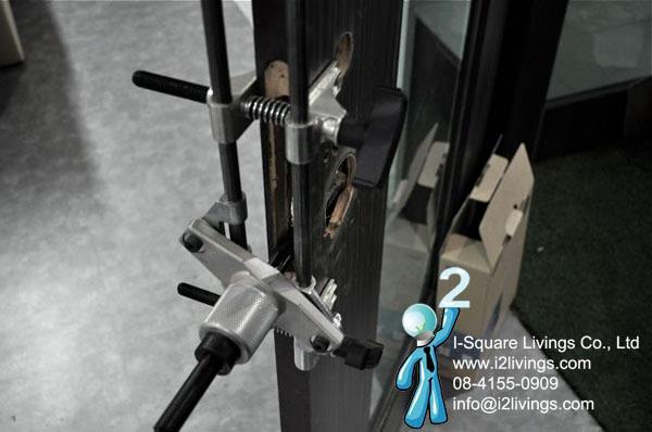 เครื่องมือในติดตั้งกลอนประตูดิจิตอล digital door lock ของแท้ ที่เราบริการลูกค้าของเรา
